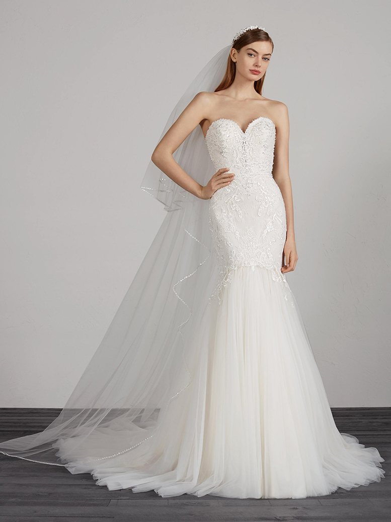 ffbf8c445a5 ... Spectacular tulle and beading are sure to outline a marvellous mermaid  silhouette with low waist and