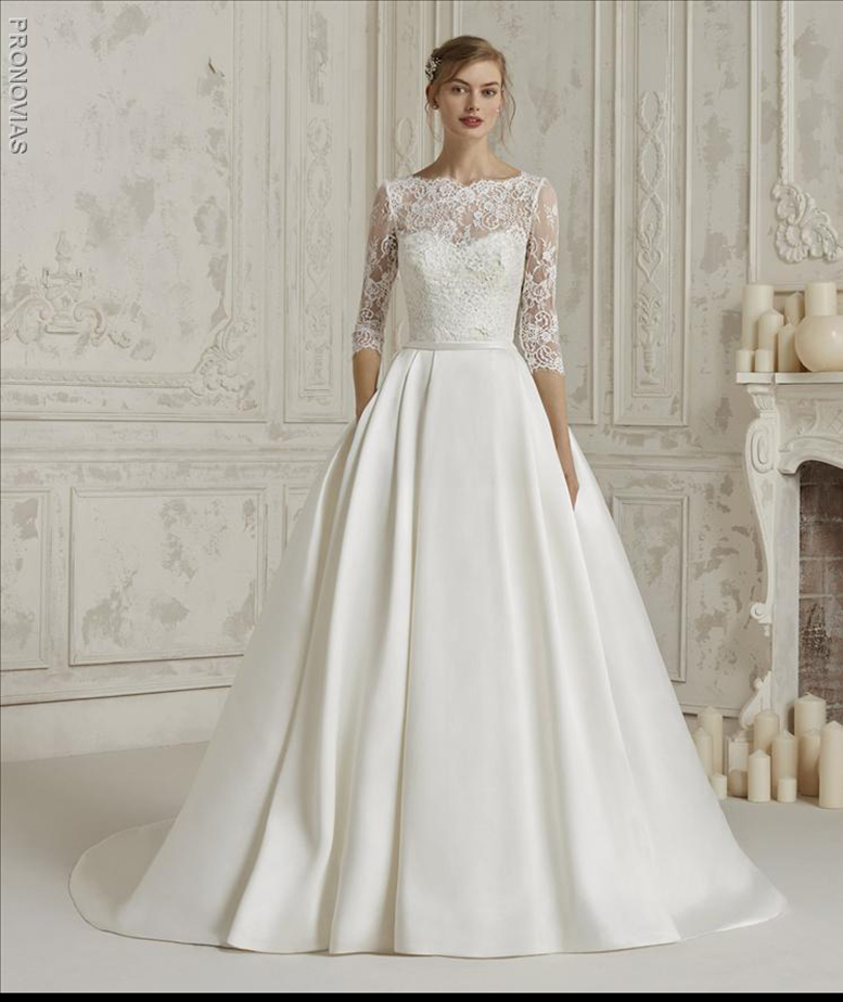 c377ffbc36 ... Sensational princess dress with double look. A spectacular design that  combines the mikado skirt with